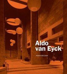 Aldo Van Eyck by McCarter, Robert